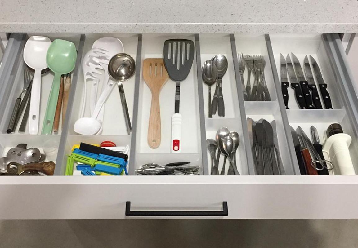 Varusteet keittiöön, lusikkalokerikko